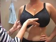 Chicas en lencería fornican en tiendas
